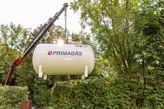 PRIMAGAS Pressemitteilung Tank am Kran
